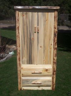I'm a sucker for rustic furniture Rustic Log Furniture, Cool Furniture, Rustic Kitchen Design, Rustic Design, Rustic Wood, Rustic Decor, Barn Wood Crafts, Ranch Decor, Western Decor