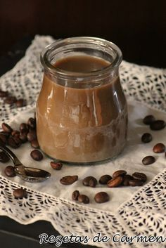 Yogur casero de café (con y sin yogurtera) Desert Recipes, Diy Food, Sour Cream, Kids Meals, Sweet Recipes, Love Food, Food And Drink, Parfait, Gastronomia