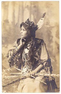 old photo of Pretty Flower aka Ah-Weh-Eyu (Goldie Conklin)...Seneca circa 1908