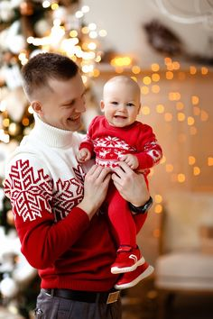 Family Christmas Pictures, Holiday Photos, Family Photos, Christmas Photography, Family Photography, New Year Photoshoot, Toddler Playroom, Country Christmas Decorations, Foto Baby
