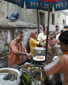 Street food in Calcutta, Índia   - Explore the World with Travel Nerd Nici, one Country at a Time. http://TravelNerdNici.com