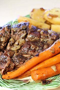 Crock Pot Pot Roast - Recipes Food and Cooking #beef
