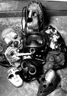 The masks of my favourite band Slipknot. I love these masks ✨ Heavy Metal, Nu Metal, Rock Y Metal, Papa Roach, Garth Brooks, System Of A Down, Pentatonix, Rock Roll, Hard Rock