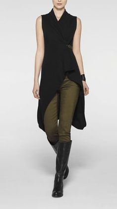 Sarah Pacini A bit too much black. It would be better in a dark grey, brown-black or aubergine. And matt black boots Mode Outfits, Skirt Outfits, Fashion Outfits, Womens Fashion, Mode Cyberpunk, Outfit Des Tages, Sarah Pacini, Mode Inspiration, Look Fashion