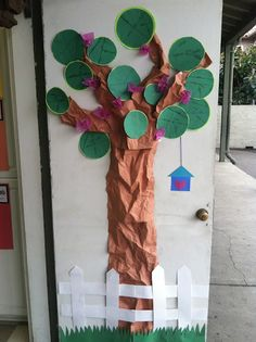 Lessons with Laughter blog......radius diameter tree.... so cute! Will use for Open House next year!