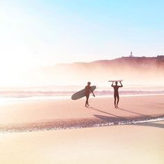 Dreaming of salty misty mornings by the sea 🌸🐬🐠🐬🌸 Thanx for your stunning capture 📷🙏🏽 (at Byron Bay, New South. Flamingo Beach, Ocean Beach, Beach Babe, Byron Bay Beach, Surfer Girl Style, Photography Words, Waves, Surfs, Surf Girls