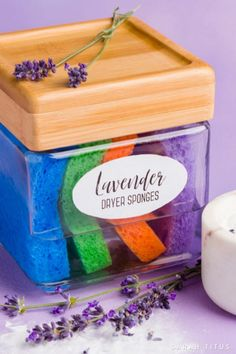 You can make your own lavender essential oil dryer sponges with a few ingredients you already have on hand, and you can save money, and have fresh smelling clothes for pennies! Deep Cleaning Tips, Green Cleaning, Cleaning Hacks, Cleaning Supplies, Doterra, Cleaners Homemade, Diy Cleaners, Diy Cleaning Products, Projects To Try