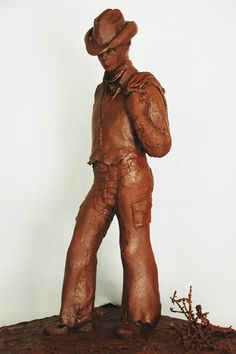 food sculpture - chocolate cowboy---make it a John Wayne cake? Chocolate World, I Love Chocolate, Chocolate Art, Chocolate Recipes, Chocolate Showpiece, Chocolate Pictures, Chocolate Heaven, Edible Food, Edible Art