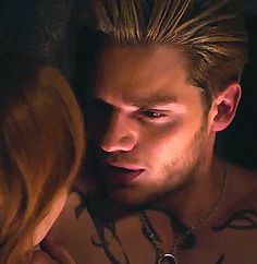 Clary Fray, Clary Et Jace, Shadowhunters Tv Series, Shadowhunters The Mortal Instruments, Dominic Sherwood Shadowhunters, Jace Lightwood, Teenage Love, Cassie Clare, Fangirl