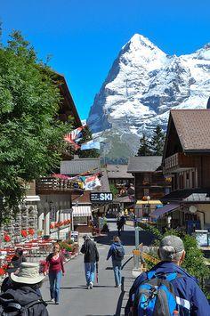 Murren, Switzerland, small town next to a mountain... fhwhsncoamchausmcbxnskancjdks