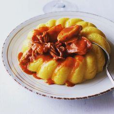 Miniseppie al sugo con polenta! Adoro! Cuttlefish with tomatosauce and cornpolenta! Love it!  Yummery - best recipes. Follow Us! #tastyfood