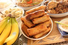 One of the most popular Filipino foods: Lumpia!!