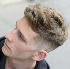 """Popular Men's Hairstyles expect a➤ lot of """"short sides, long top"""" hairstyles which combine ➤a low or high fade with texturized ➤hair on top. Popular Mens Hairstyles, Side Part Hairstyles, 1940s Hairstyles, Cool Mens Haircuts, Cool Hairstyles For Men, Hairstyles Haircuts, Crazy Hairstyles, Summer Hairstyles, Man Haircut 2017"""