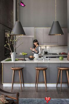25+ Ways To Style Grey Kitchen Cabinets -  Grey kitchens will never go out of style. These 25+ photos of kitchens with gray cabinets will insp - #cabinets #FurnitureDesign #Grey #kitchen #KitchenInterior #ModernKitchenDesign #style #Ways<br> Painted Gray Cabinets, Dark Grey Kitchen Cabinets, Grey Kitchens, Cool Kitchens, Modern Kitchens, Kitchen Grey, Rustic Kitchens, Contemporary Kitchens, Grey Kitchen Designs