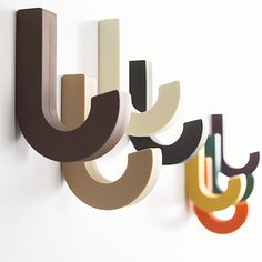 Wall Hooks For Coats As Completing Nice Room: Colorful Wall Hooks For Coats Design Inspiration Home Design Entrée, Flur Design, Creative Design, Coat Pegs, Clothes Hooks, Mechanical Pencils, Japanese Design, Cool Walls, Wall Hooks