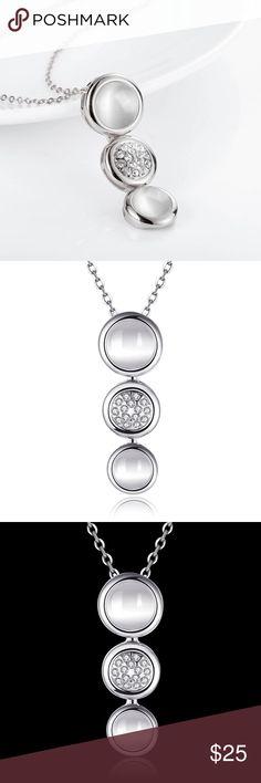 Elegant platinum and pearl necklace Platinum pearl necklace on chain. Fashion Jewelry Necklaces, Fashion Necklace, Chain Jewelry, Pearl Necklace, Pendant Necklace, Platinum Jewelry, Pendants, Drop Earrings, Pearls