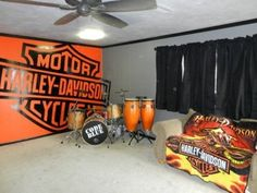 Wanting to add a Harley theme to one of the rooms in your house? That's easy! With these ideas, you'll be able to decorate a neat room that features the brand, Harley-Davidson. The ideas in this list are neat!! Click the link to see all home décor ideas: Harley Davidson Home Decoration Ideas