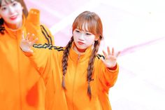 저화질의 김채원 (@lowq_chaeWon) | Twitter Gfriend Yuju, Japanese Girl Group, Kim Min, Golden Child, Pledis Entertainment, 3 In One, Ulzzang Girl, Sweet Girls, K Idols
