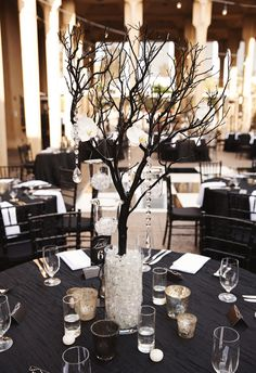 Black-Tie Museum Fête in San Diego Black And Gold Centerpieces, Branch Centerpieces, Wedding Centerpieces, White Centerpiece, Silver Wedding Decorations, Prom Decor, Wedding Greenery, Black Tablecloth Wedding, Wedding Table
