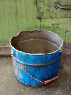 Old blue pail Indigo Spirit, Blue Green, Blue And White, Kind Of Blue, Antique Metal, Color Stories, Rustic Charm, Blue Moon, Yard Art