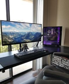 40 Best Video Game Room Ideas for Gamer's Guide. If you are passionate about game, it's time to remodel your regular room into a video game room. Check out these amazing video game room ideas! Setup Desk, Computer Desk Setup, Home Office Setup, Pc Setup, Gamer Setup, Gaming Room Setup, Gaming Rooms, Game Room Design, Playroom Design