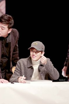 Suho - 161204 Hat's On fansign