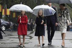 """Mercredi 10 octobre 2016, Le Roi Felipe et la Reine letizia et les princesses Leonor et Sofia ont présidé la cérémonie la """" Del Dia de la Fiesta Nacional """" à Madrid.   ..."""
