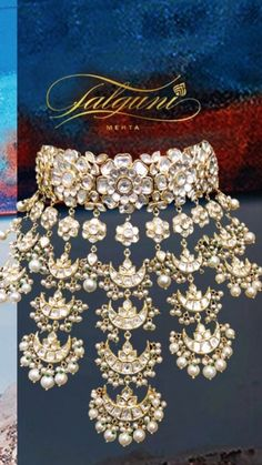 How To Choose The Perfect Pair Of Gold Diamond Earrings – Argenta Jewellery Indian Jewelry Sets, Indian Wedding Jewelry, India Jewelry, Bridal Jewelry Sets, Bridal Jewellery, Indian Weddings, Indian Bridal, Book Jewelry, Jewelry Ideas