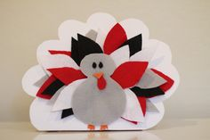 Thanksgiving Turkey Craft Gifts for Family.  Show each person you are grateful for them, while providing festive decor!  Turkey decor turns into necklace gifts of gratefulness.