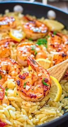 Very easy to make, yet unbelievably delicious, this One Pot Orzo with Shrimp and Feta is worthy of a special occasion! #shrimps #seafood #pasta #dinner #Italian #onepot #mealprep