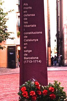 El Fossar de les Moreres, Barcelona, by Xaron White