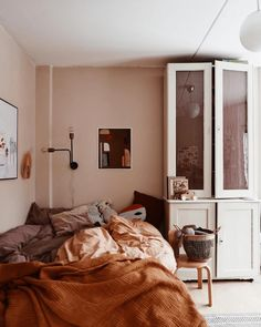 my scandinavian home: Chestnut Tones In A Delightful Swedish Family Home Mein skandinavisches Zuhause: Chestnut Tones In A Delightful Swedish Family Home Swedish Girls, Brown Interior, Style Deco, Ideas Hogar, Scandinavian Home, Minimalist Bedroom, Dream Decor, My New Room, Home Decor Bedroom