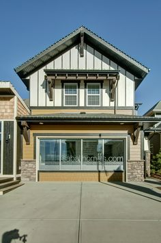 Sabel Homes has beautiful options! Crafstman exterior in Mahogany. Craftsman Exterior, New Community, Modern Family, Calgary, Facade, Homes, Mansions, House Styles, Beautiful