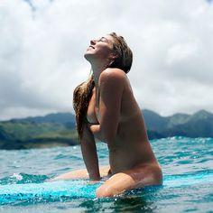 Обнажённый Сёрфинг. Коко Хо и красивое тело