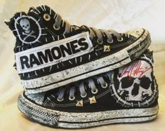 Ramones Converse All Star shoes from Chad Cherry Clothing. Hipster Outfits, Punk Outfits, Stylish Outfits, Ramones, Chucky, Converse All Star, Punk Fashion, Grunge Fashion, Fashion Tips