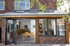 idée d'agranissement de maison moderne et extension vitrée