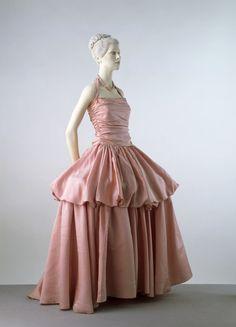 Evening Dress Edward Molyneux, 1939 The Victoria & Albert...