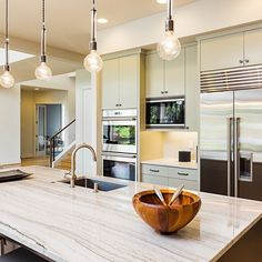 White kitchen is never a wrong idea. The elegance of white kitchens can always provide . Elegant White Kitchen Design Ideas for Modern Home Lily Ann Cabinets, Dubai, Declutter Your Home, Grey Walls, Shabby Chic Decor, Kitchen Design, Kitchen Ideas, Kitchen Layout, Diy Kitchen