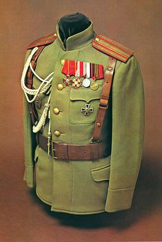 Imperial Russian officer's khaki service dress jacket and 'Sam Browne' belt…
