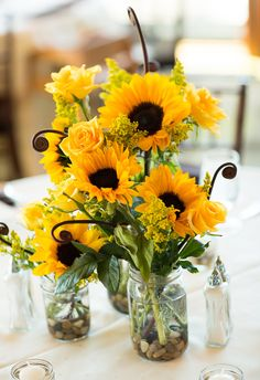 Sunflower centerpiece. Yellow Wedding, Summer Wedding, Sunflower Wedding Centerpieces, Sunflower Arrangements, Sunflower Decorations, Wedding Flowers, Wedding Decorations, Sunflower Bouquets, Wedding Blog