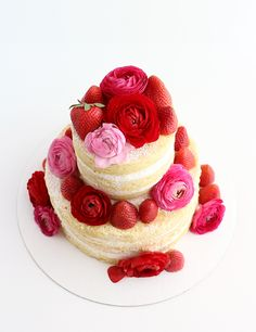 Naked Cake with Flowers and Strawberries - mixing florals and berries