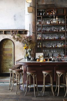 Top 10 Things To Do And See In The Dogpatch // Magnolias + Mokestack All-in-one Brewery, Bar And BBQ Restaurant