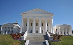 The Virginia State House also served as the Capitol of the Confederacy during the American Civil War Im Coming Home, Virginia Is For Lovers, Virginia Homes, Richmond Virginia, Colonial Williamsburg, Capital City, Adventure Travel, Cathedral, This Is Us