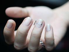 5 idées de nailart nude faciles à faire et surtout faciles à porter! | PSHIIIT