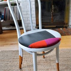 This chair only took 1.5 hours to complete. (via designsponge)