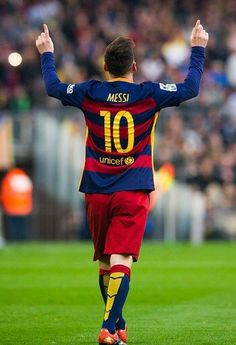 Lionel Messi of FC Barcelona celebrates after scoring the opening goal during the La Liga match between FC Barcelona and RC Deportivo La Coruna at Camp Nou on December 2015 in Barcelona, Spain. Fc Barcelona, Barcelona Catalonia, Messi Vs Ronaldo, Messi And Neymar, Good Soccer Players, Football Players, Football Jerseys, Messi Birthday, Messi 2015