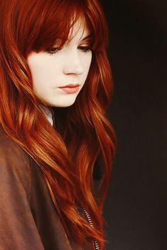 Karen Gillan~ I love her hair color! Shades Of Red Hair, Red Hair Color, Red Orange Hair, Copper Red Hair, Corte Y Color, Karen Gillan, Redhead Girl, Fiery Redhead, Beautiful Redhead