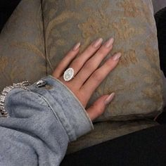 wedding how to Kylie Jenner Jewelry, Oval Rings, Silver Rings, Oval Engagement, Oval Nails, Glitter, Tumblr, Dream Ring, Almond Nails