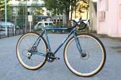 SURLY straggler | BUILT BY BLUE LUG Surly Straggler, Touring Bicycles, Commuter Bike, Bike Ideas, Cool Bikes, Gentleman, Cycling, Note, Adventure