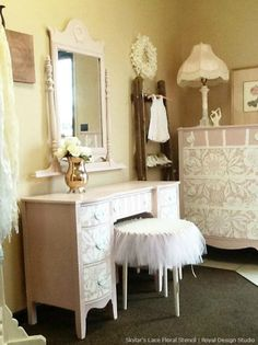 Lace stencil on furniture with Chalk Paint. Skylar's Lace stencil from Royal Design Studio. Lace Painted Furniture, Large Furniture, Shabby Chic Furniture, Furniture Making, Furniture Stencil, Painting Furniture, Wood Furniture, Furniture Ideas, Bedroom Furniture